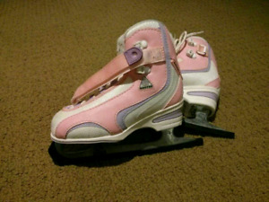 Great Girl's skates Softec size 13 perfect for Christmas
