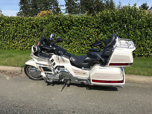 Pearl White Goldwing