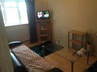 1 bedroom flat to rent in brompton close, Hounslow TW4 5HP