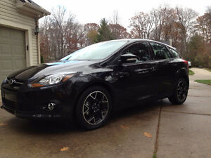 2014 Ford Focus SE Hatchback FULLY LOADED - Lease Takeover