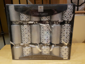 Christmas Gift Set of Crackers
