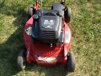 Toro Lawnmower - Super Recycler - self propelled - Suzuki motor.