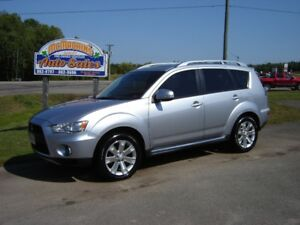 2010 MITSUBISHI OUTLANDER GT***S-AWD***HEATED LEATHER***7 PASS**