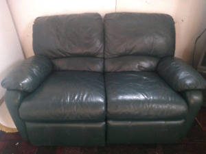 Lonely Leather Sofa Needing New Home!