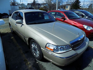 2009 Lincoln Town Car 71,000 km's $ 9,900.00 Call 743-2551
