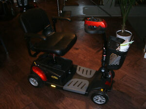 4 Wheel Portable Scooter (BRAND NEW)