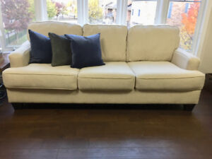 3-Seat Couch Used for Less than 1 Year