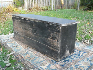 RUSTIC OLD WOOD BOX