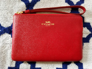 BRAND NEW COACH WRISTLET ⭐RED⭐⭐price reduced⭐