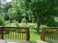 Village of Russell, Spacious Home backing onto Nature Trail