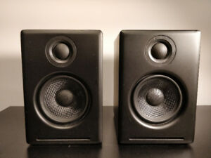 AudioEngine 2+ bookshelf speakers