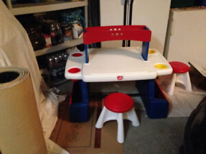 step 2 double craft table can accommodate 2 kids