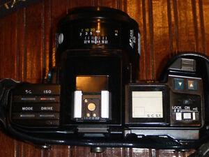 Minolta Maxxum 7000 SLR 35mm Film Camera AF50 Lens West Island Greater Montréal image 6