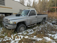 2001 Dodge Power Ram 2500 Pickup Truck LOW KMS