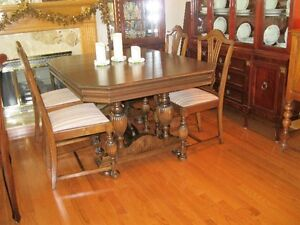 ANTIQUE DINING TABLE WITH CHAIRS