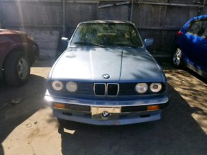BMW E30 1988 sport package + hard top