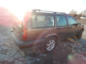 Im Selling a 1998 Volvo XC70 Turbo with only 98000KM   4X4