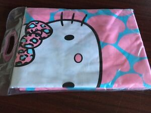 Drap plat  NEUF Hello kitty 2 place ou queen