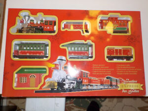 FESTIVE EXPRESS TRAIN SET : BATTERY OPERATED