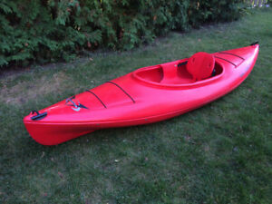 Red kayak 10' with paddle