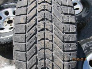 pneu hiver 265-70-17 avec roues 6x139