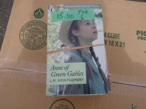 Complete Set of Anne of Green Gables  (6 BOOKS)