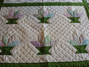 HAND-QUILTED WALL HANGING WINDOW COVER CURTAIN London Ontario image 4