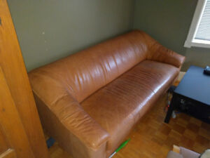 sofa en cuir acheté 1500