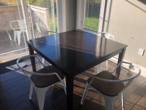 Solid wood dining table - Moving sale