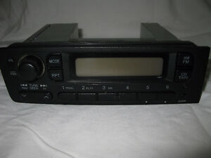 1998 - Honda Civic Si - Car Stereo AM/FM