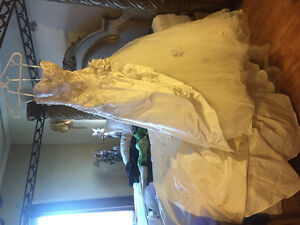 Beautiful size 4 gown with train