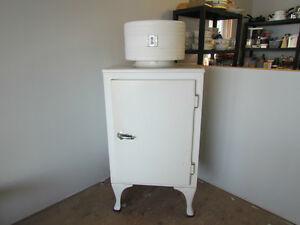 Vintage General Electric Antique Fridge