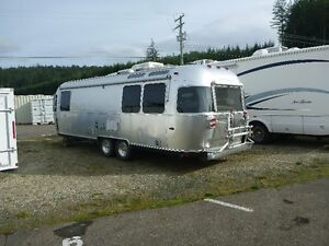 2014 Limited Edition Airstream International Onyx 27FT