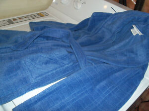 6x childs cosy warm housecoat, worn only couple of times, as new