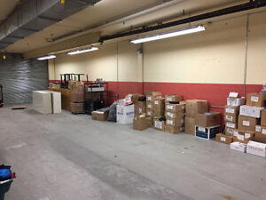 3025 sq ft Storage/Warehouse Space Available Peterborough Peterborough Area image 1