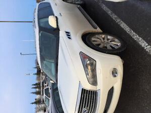 2011 Infiniti QX56 SUV, Crossover