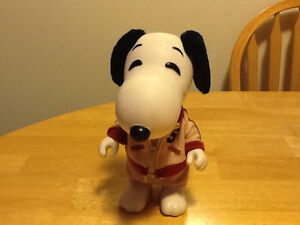 1966 UNITED FEATURES SNOOPY FIGURE London Ontario image 1