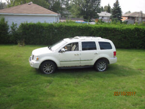 2007 Chrysler Limited SUV, 4 wheel all wheel drive