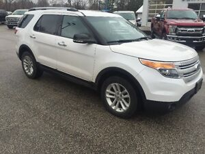 2014 Ford Explorer XLT SUV, Crossover 4x4 v-6 one owner London Ontario image 2