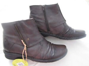 Brown Earth Spirit Leather Ankle boots size 8.5  (8 1/2)