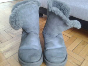 UGG winter boots,size 8