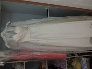 Beautiful Alfred Angelo wedding gown