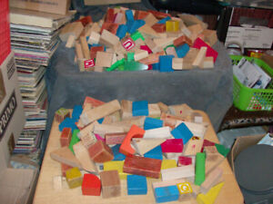 238 PIECES PLAY WOOD BLOCKS TOY LOT ASSORTED