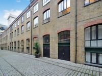 1 bedroom flat in Burrells Wharf Square, Canary Wharf E14