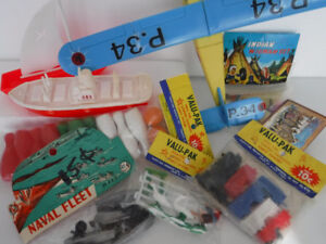 VINTAGE DIME STORE TOYS SEALED NAVY TRAIN WIGWAM RELIABLE BOATS