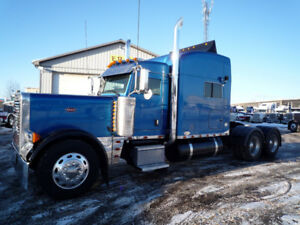 2005 Peterbilt 379 Low KM. 265 inch W.B. 70 inch bunk