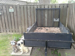 CARY ON 4' X 6' OPEN UTILITY TRAILER WITH GATE