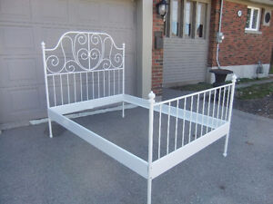 white wrought iron double bedframe in exc cond