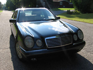 1996 Mercedes-Benz 300-Series Berline Berline