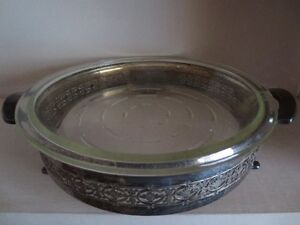 Silver Pie plate holder with handles
